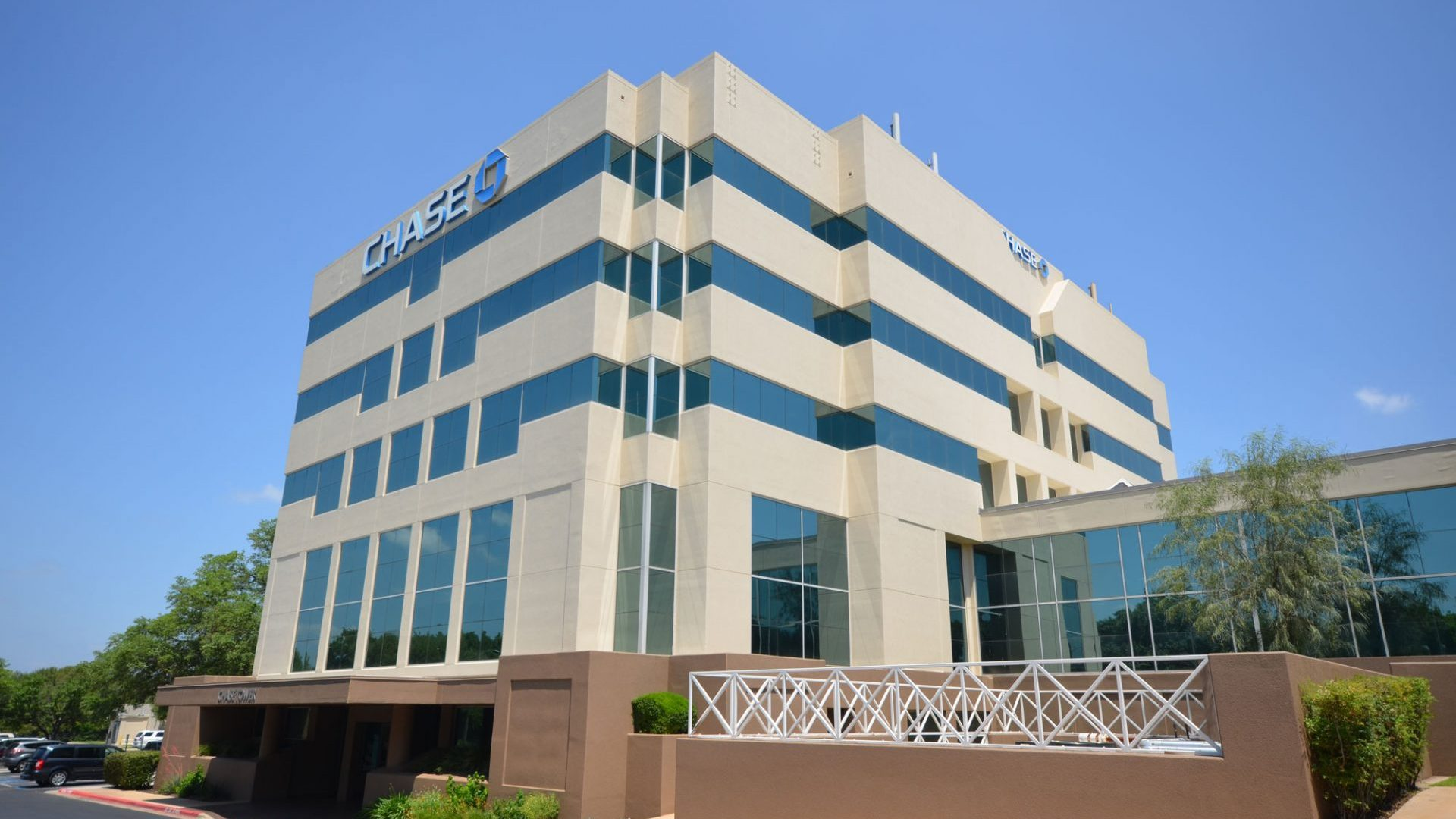 Chase Northcross Office Building