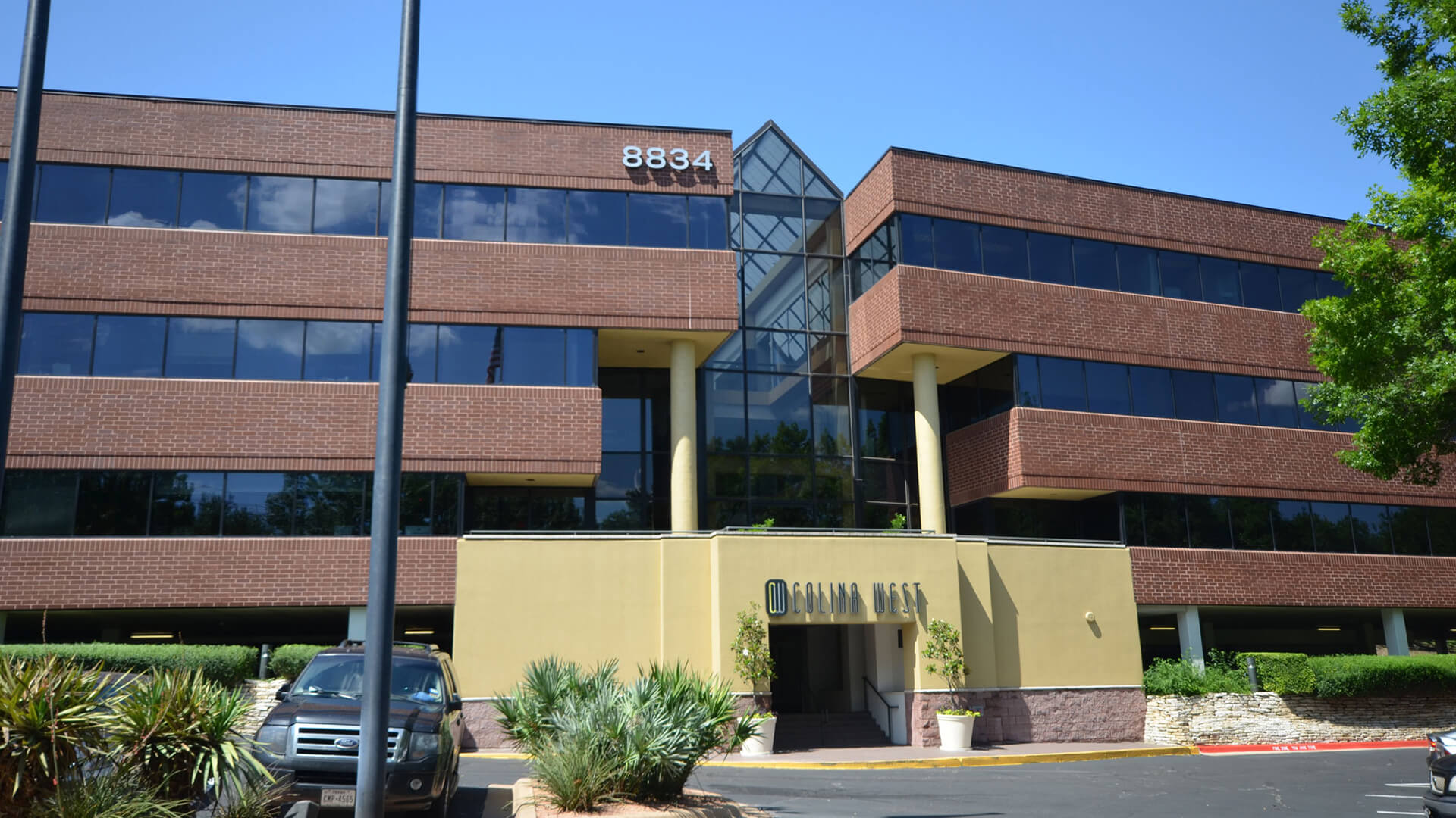 Colina West Office Building