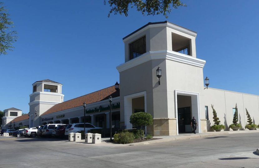 Photo of property The Shops at Lincoln Heights