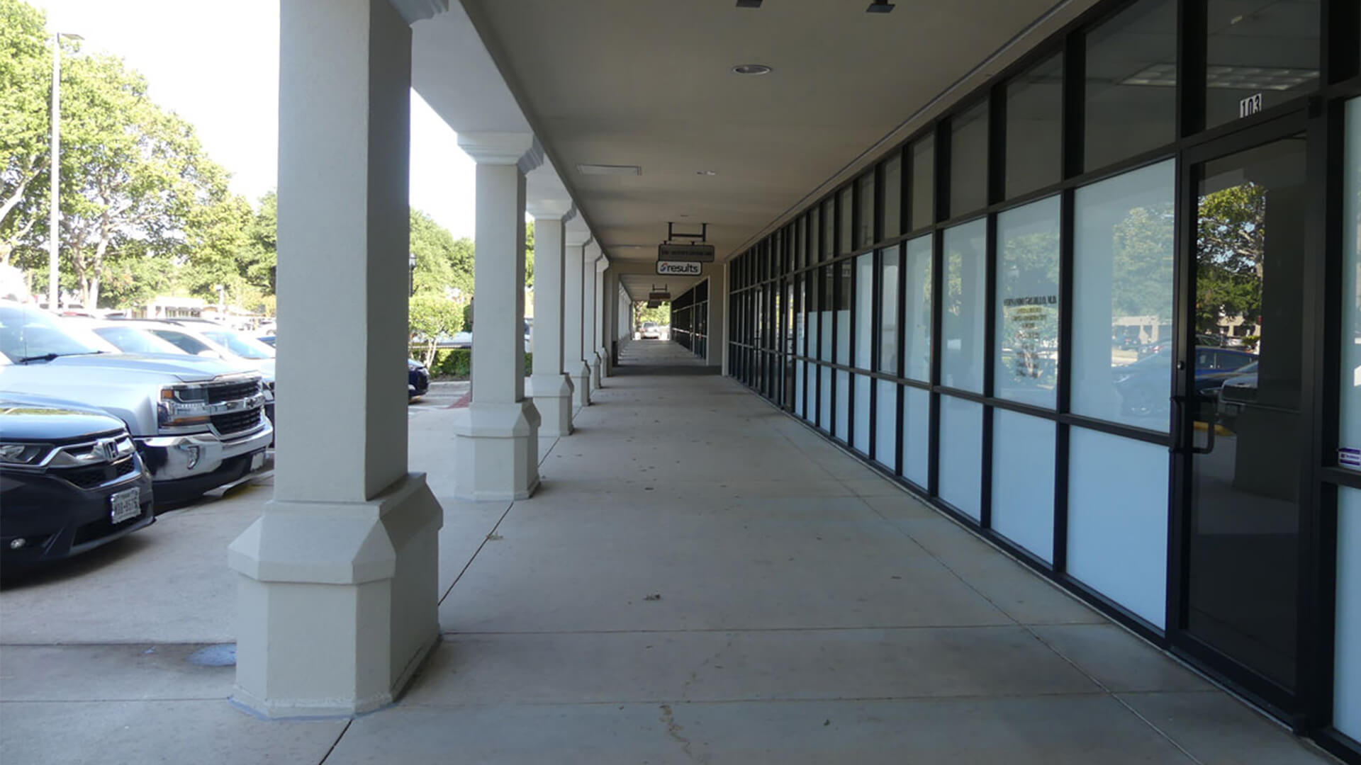 The Shops at Lincoln Heights Exterior Walkway